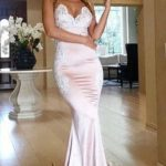Some of the most popular evening dresses among women are ball gown, mermaid dresses, evenning dress and  a lot others